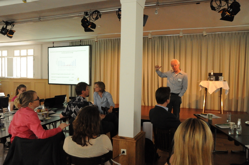 Burkhard Petersen bei der Diskussion zu Kompetenzen