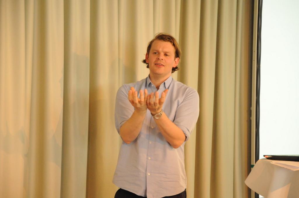 Science Workshop. Marcus Bösch mit Enthusiasmus dabei. Foto: Stephanie Pletsch
